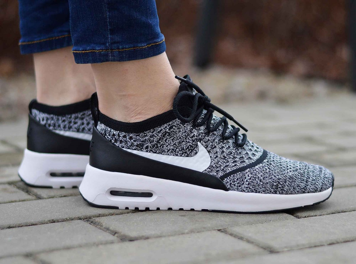 Nike Air Max Thea Women blackwhite ab 76,19